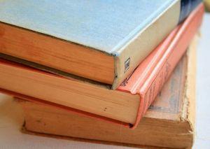 books-315679__480
